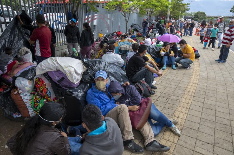Venezolanos requieren regresar a su país.