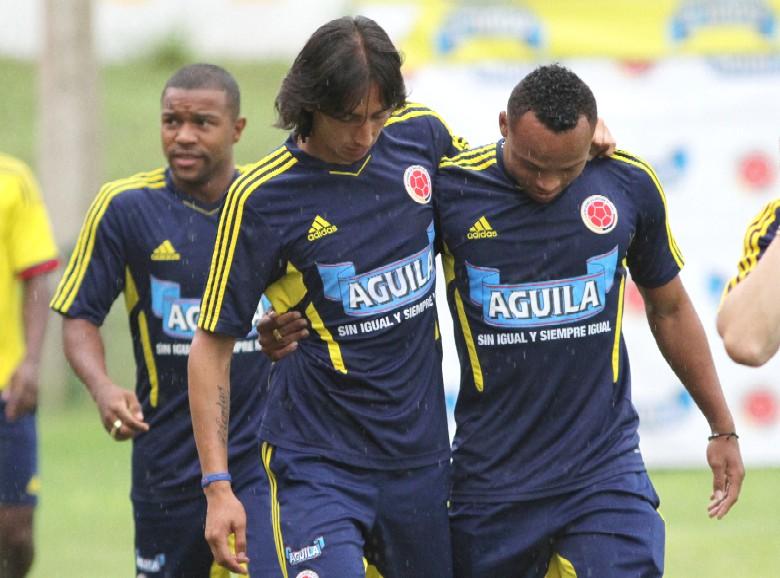 Robayo (izq.) fue convocado en el 2010 por Hernán Darío Gómez y en 2011 por Leonel Álvarez. / FOTO: JUAN ANTONIO SÁNCHEZ.