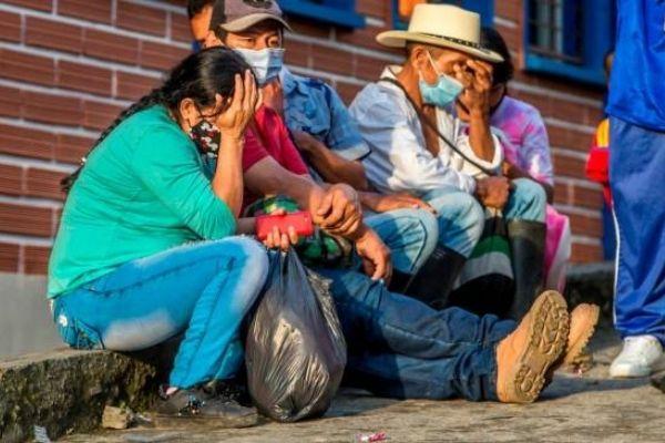 El drama de 4000 personas desplazadas en Ituango por el que atacan en redes a Duque
